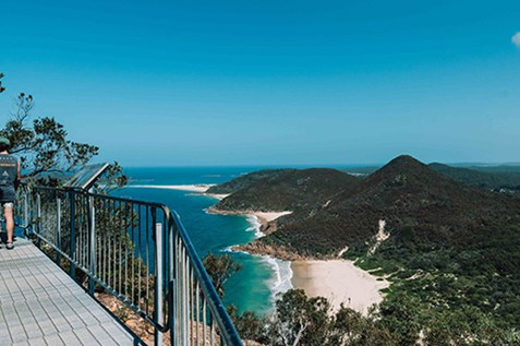 things to do in port stephens tomaree head summit walk
